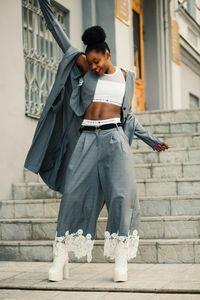 Дамски панталони 2 - с детайли